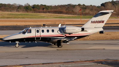 Charter CESSNA CITATION CJ - N608MM