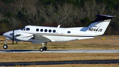 Charter, King Air 200 N244JS